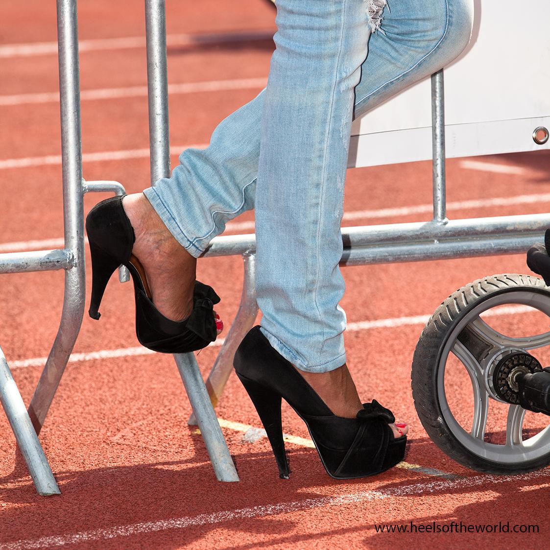 Dutch heels in Rotterdam at Onderwijscentrum ErasmusMC and Cafe Prachtig. Merk schoenen Guess