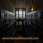 Fotoshoot met 3 dames met een passie voor hoge hakken in voormalige gevangenis in Rotterdam