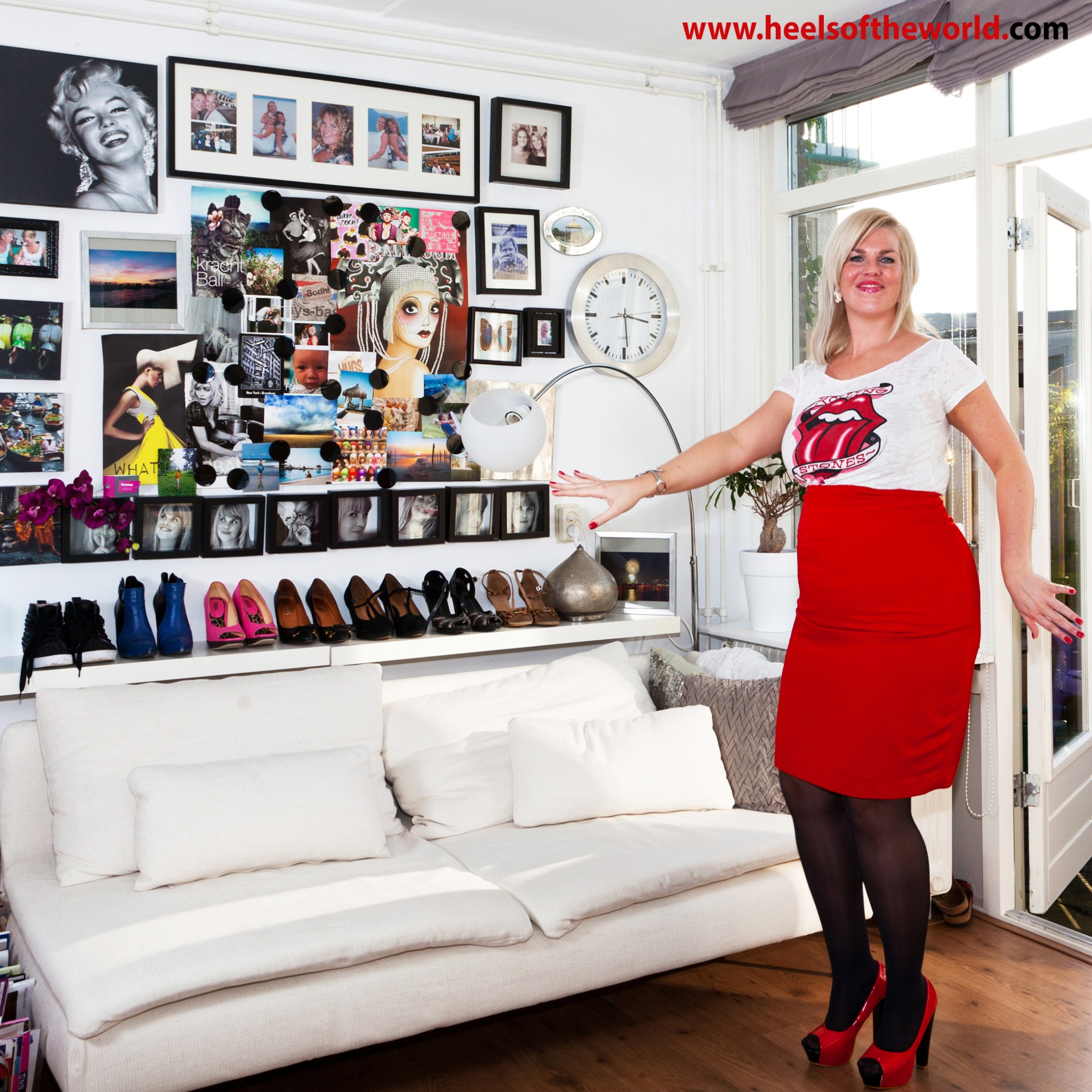 Hairdresser Charlène has a passion for special heels, hairdressing and salsadancing. Here her favourite red peep toe platform pumps.