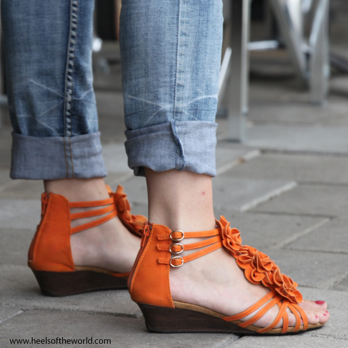 Dutch heels. Orange wedges and red nails at Jazz event in Hillegersberg (Rotterdam/NL)